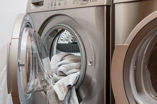 Pranie i prasowanie jedwabnych tkanin