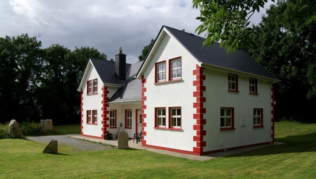 Projekt budowy domu – jakie materiały budowlane wybrać?